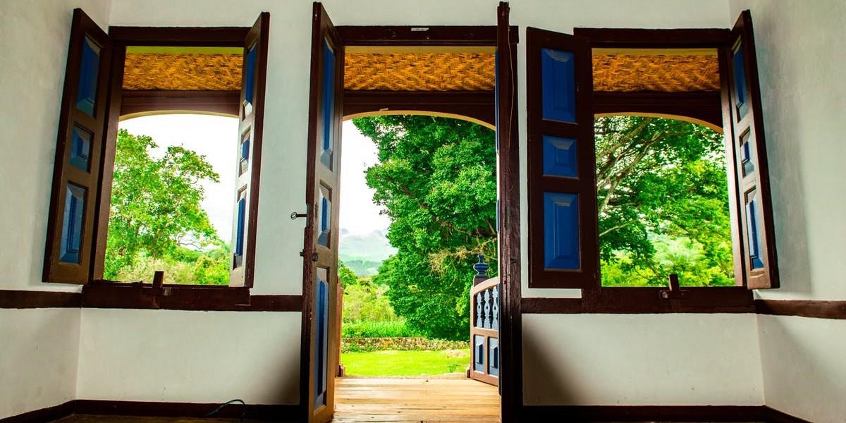 An Open Door I Daily Walk Devotion